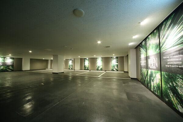 静岡駅前ラブホテル 艶 駐車場